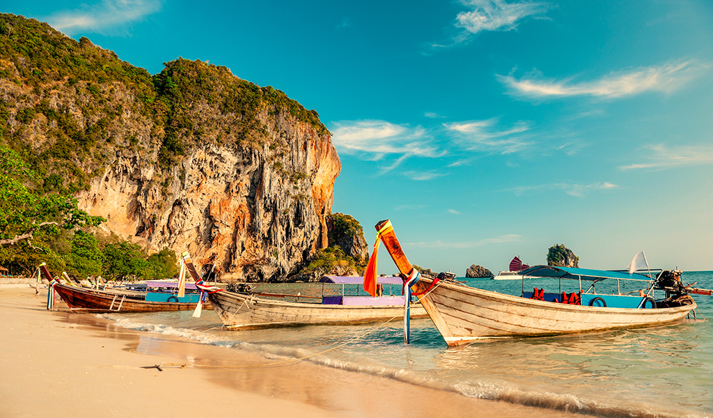 Know when to travel, the best Thailand beaches and food tips for your vacation